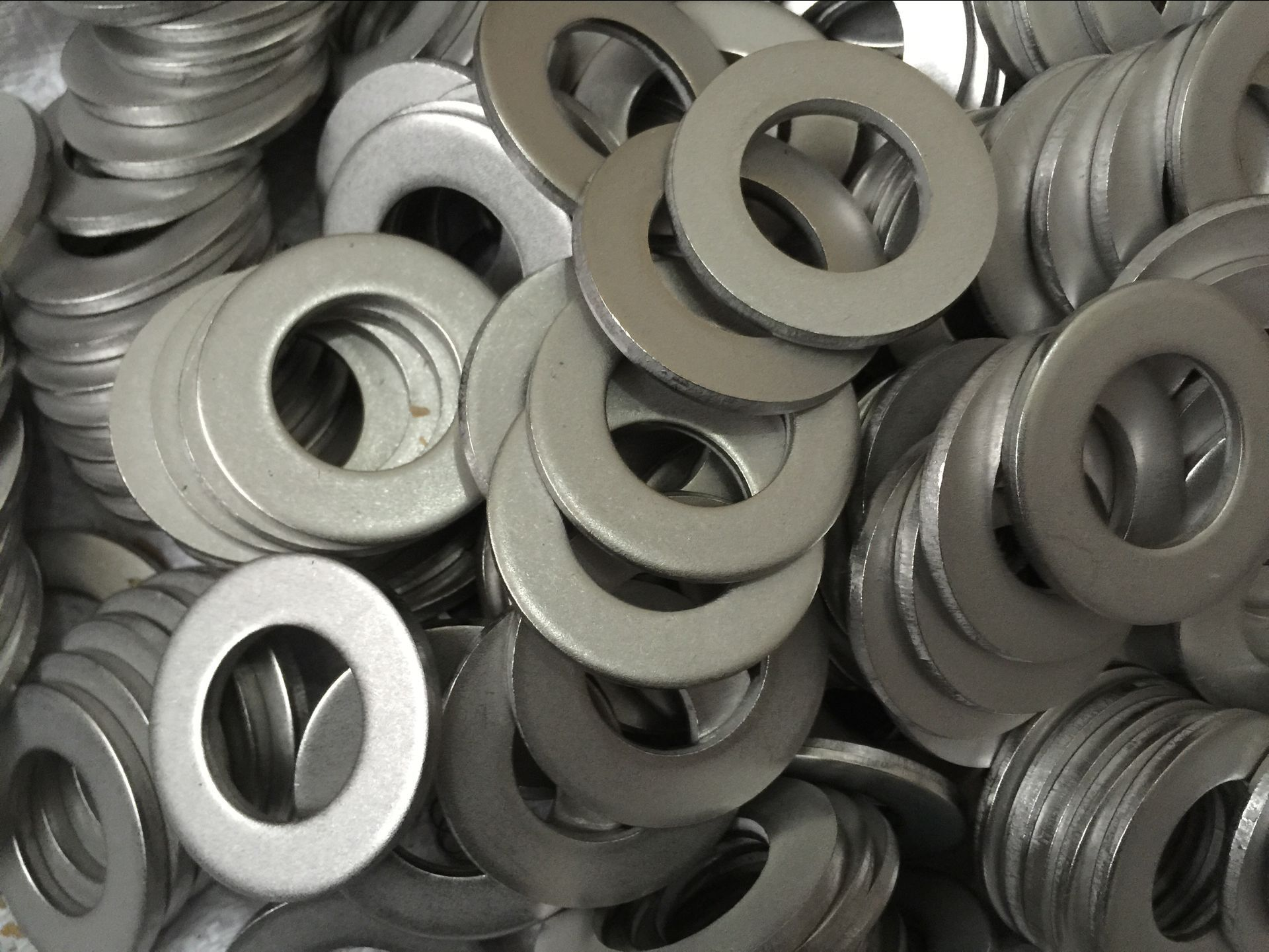 ASTM A193 B8C stud bolt with ASTM A194 8C nuts
